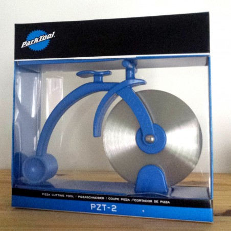 Pizza cutting tool penny farthing