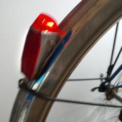 Feu arrière pour mini vélo...